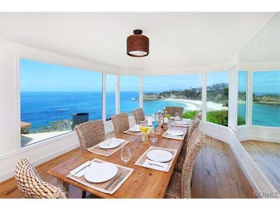 Lauren-Conrads-dining-room-54c7f3-573x430