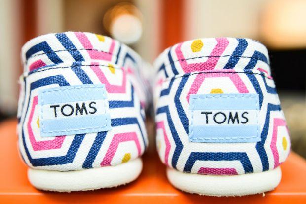 toms-w724