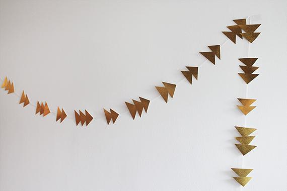 diy-triangle-garland-